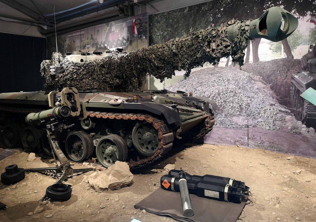 Schutz und Hilfe Ausstellung Panzer