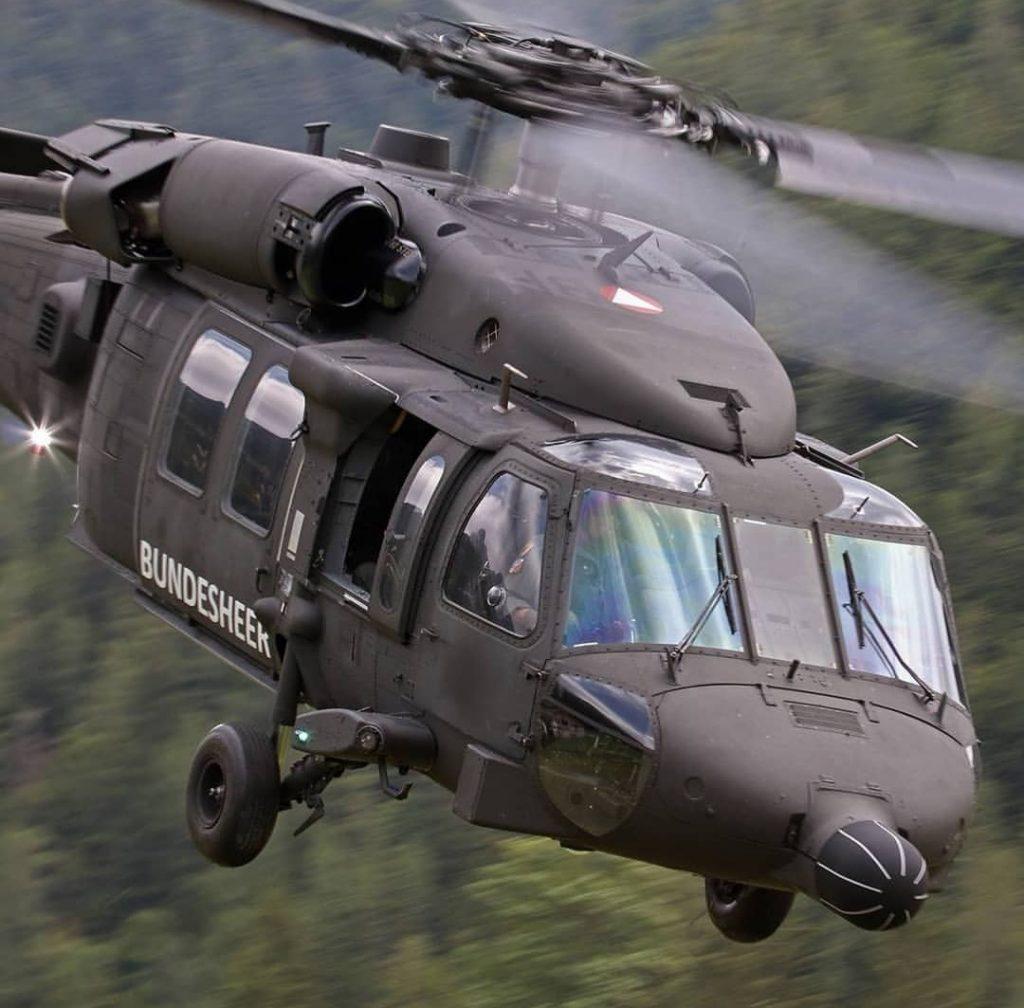 Black Hawk im Flug