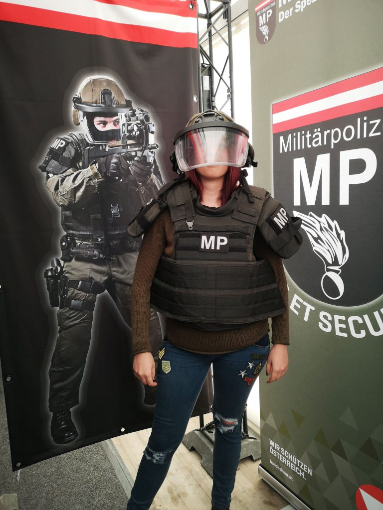 militaerpolizei-uniform