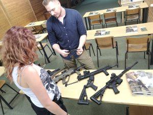 Außerdem Waffenerklärung