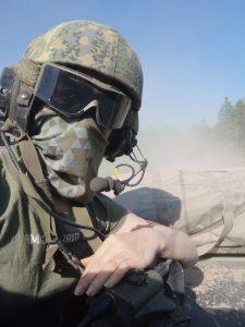 Truppenübungsplatz außerdem Frau